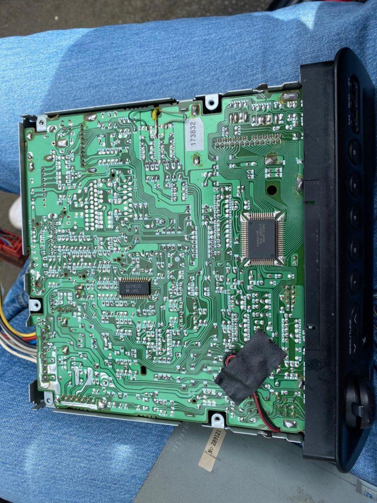 Peugeot 106 Rallye radio repair